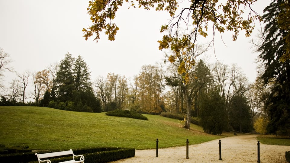 The park around Hluboká Castle is in English style,  photo: Vít Pohanka / Czech Radio