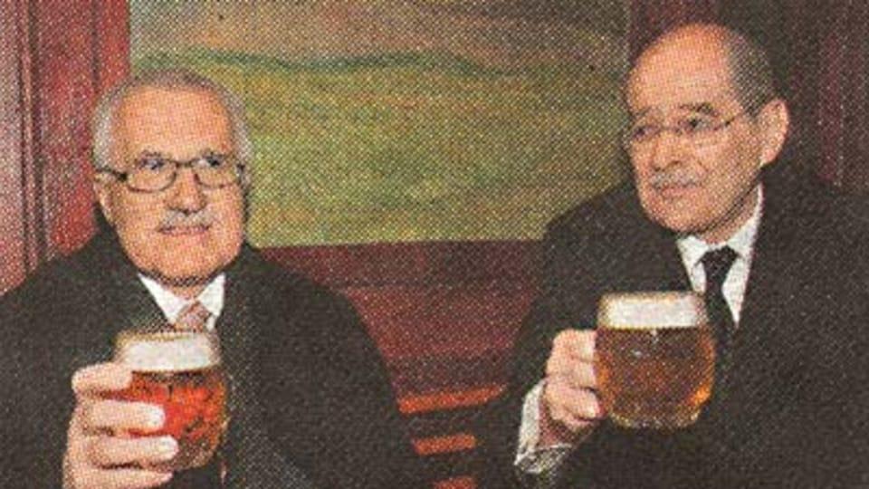 President Klaus with the mayor Bohumil Koukal,  photo: MFDnes