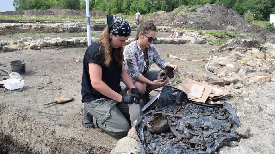 Excavations in Libkovice,  photo: Frederik Velinský / Czech Radio