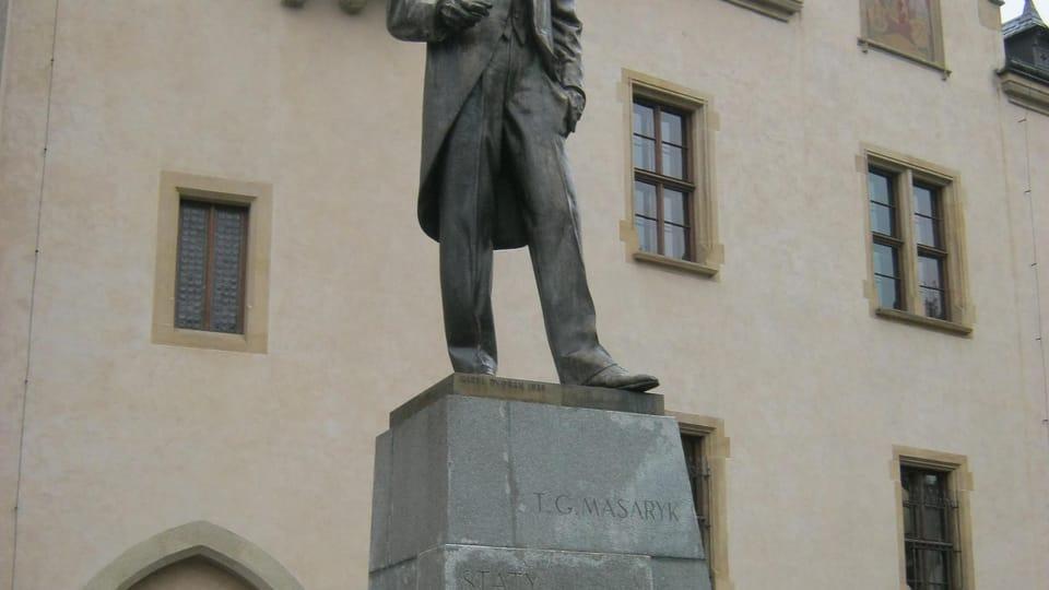 Masaryk statue outside the Italian Court,  photo: Dominik Jůn
