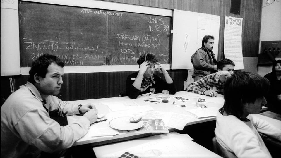 Vít Pohanka  (standing) - Strike Committee Meeting,  photo: Petr Zatloukal