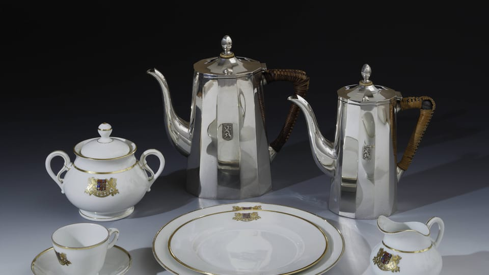 A selection from a dining set with a small national emblem,  1919,  photo: © Prague Castle collection,  Jan Gloc
