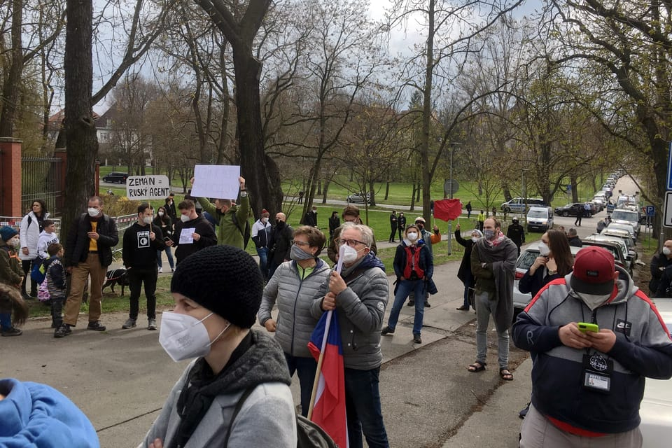 Vrbětice affair,  protest at the Russian Embassy in Prague | Photo: Kateřina Ayzpurvit,  Radio Prague International