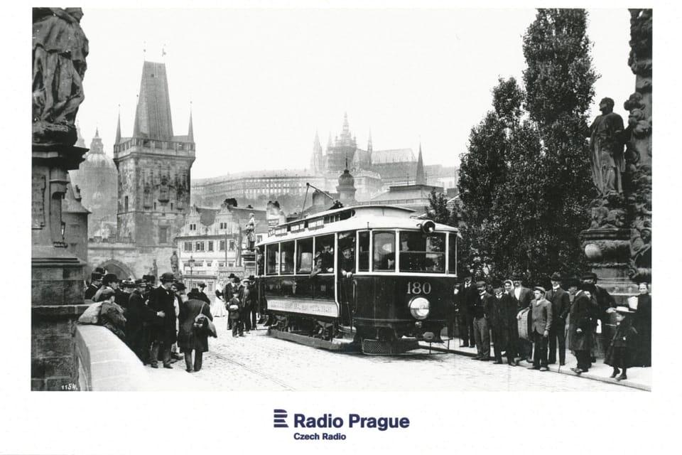 Electric tram on Charles Bridge in years 1905–1908,  photo: Dopravní podnik hlavního města Prahy